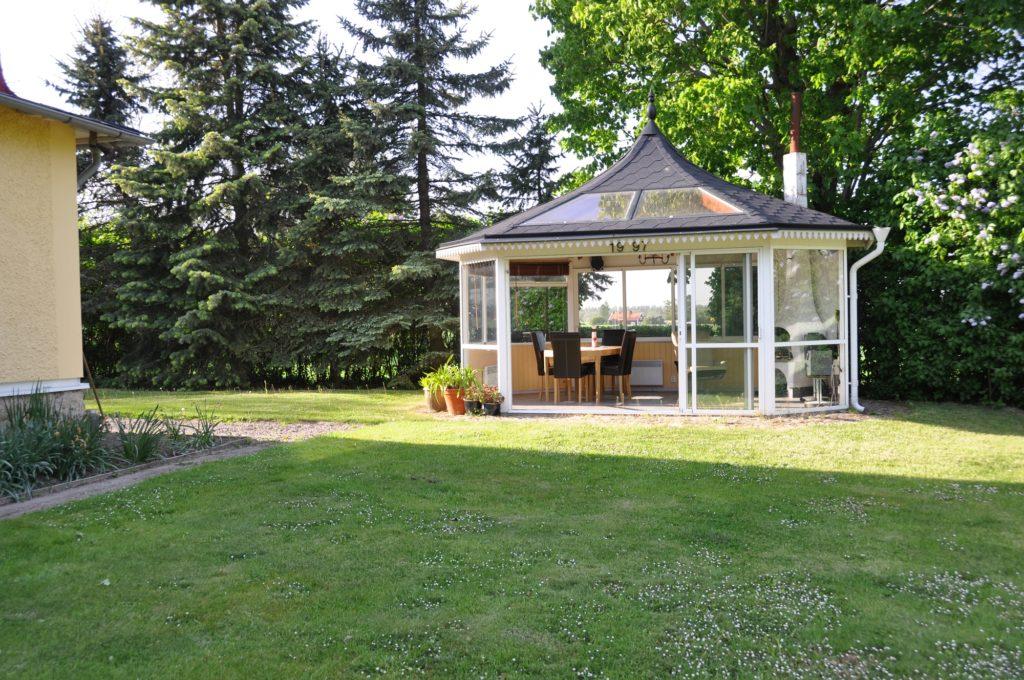Exempel på hur man kan bygga ett eget lusthus med Santex produkter.